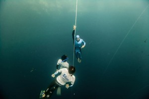 Adam Stern ascending from his record breaking free immersion dive at Vertical Blue.